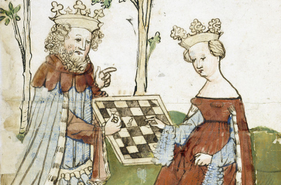 King-and-queen-playing-chess