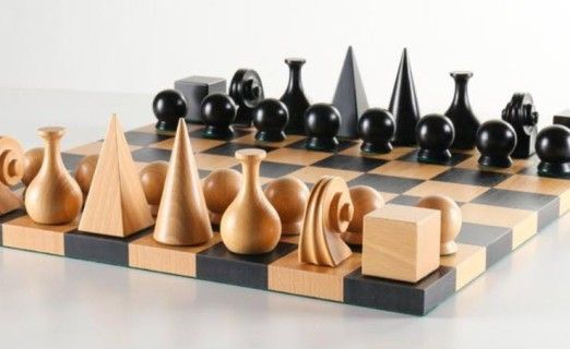 Man-Ray-Chess-Set-–-Board-and-Pieces